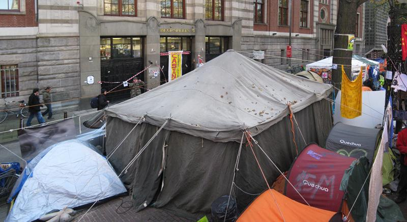 Artists in Occupy Amsterdam | Iratxe Jaio + Klaas van Gorkum